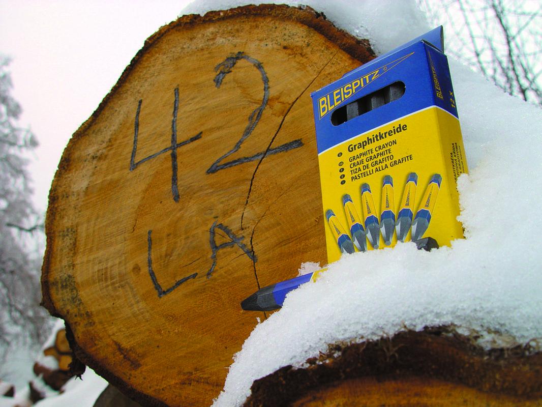 0266 Grafitinė kreidelė su etikete 12x120mm