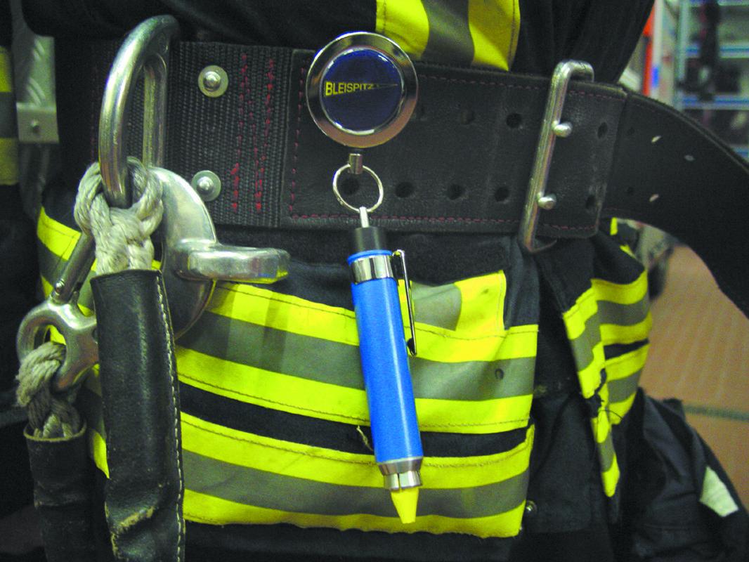0716 Ritė įrankiams prisegti ant diržo