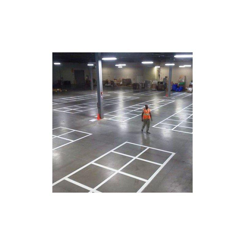 Sporto aikštynų linijų ženklinimo vežimėlis